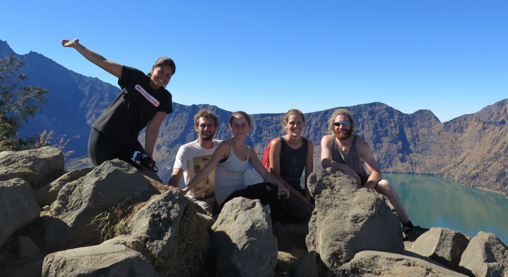 Crater rim rinjani hiking group